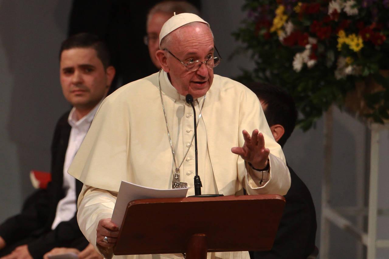 Fustiga la corrupción en la Iglesia católica