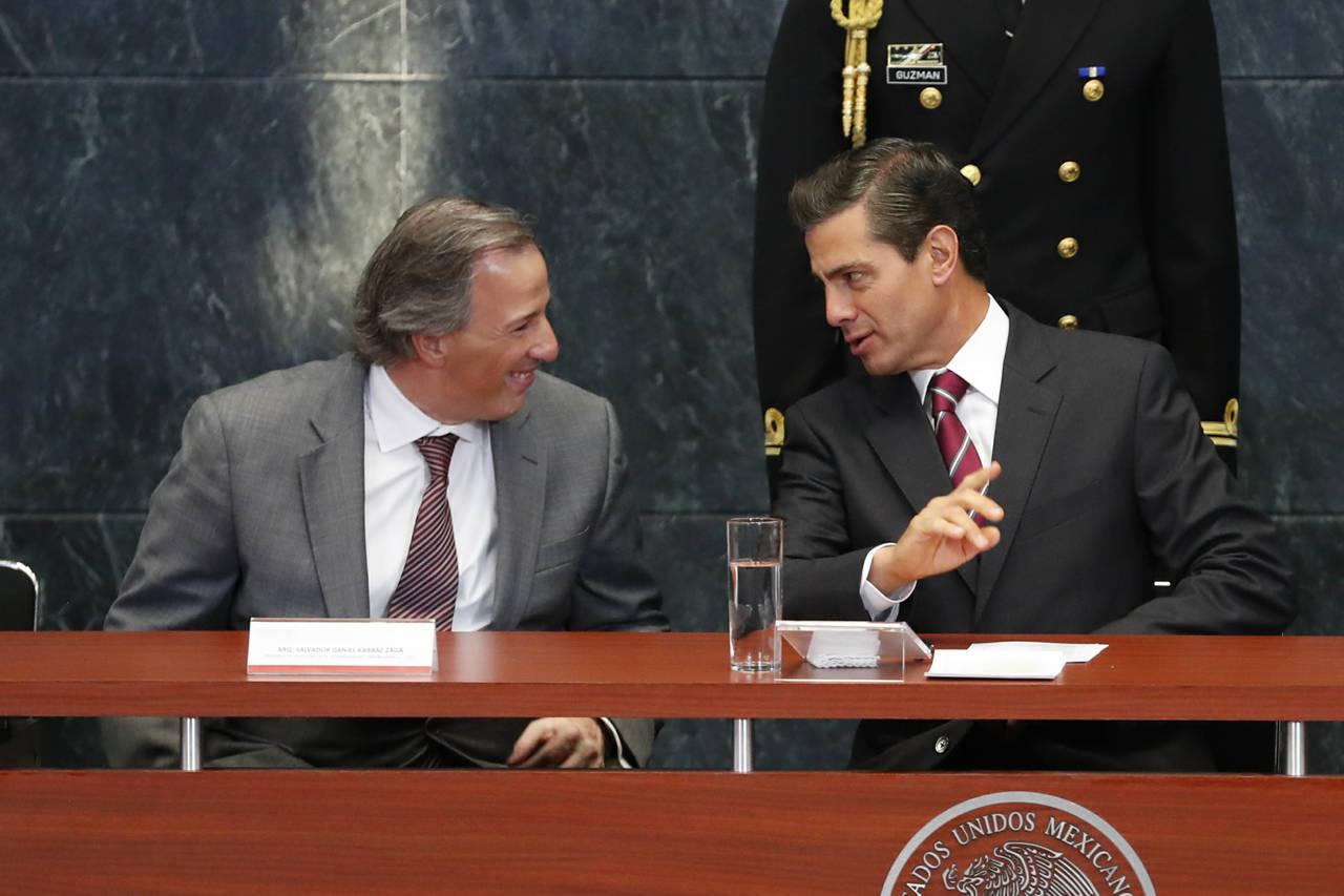 Consulta Enrique Peña Nieto lista de cuatro