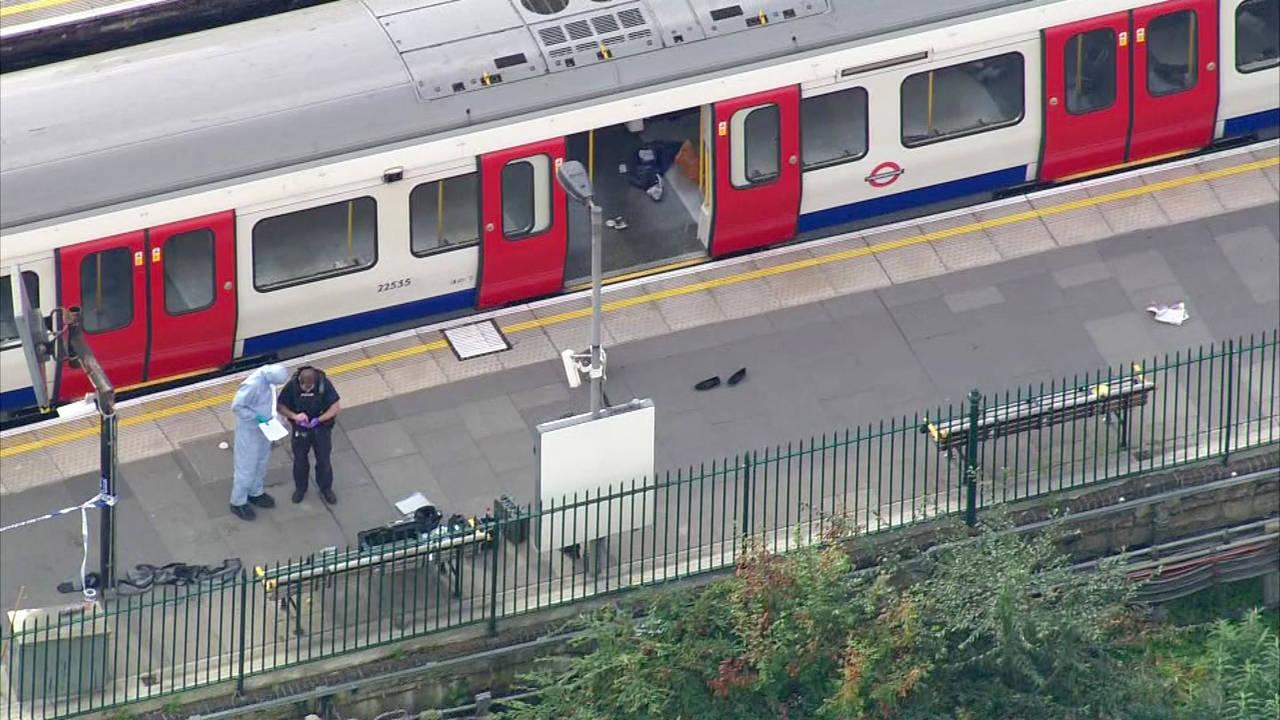 Estalla bomba casera en el metro de Londres