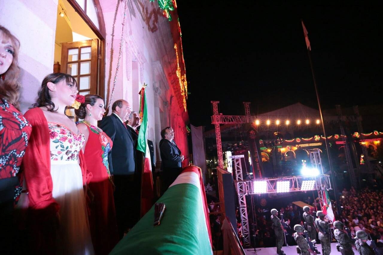 Saltillo realiza mega festejo por 207 aniversario de Independencia