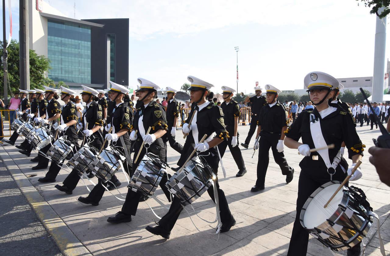 Celebran Independencia con desfile