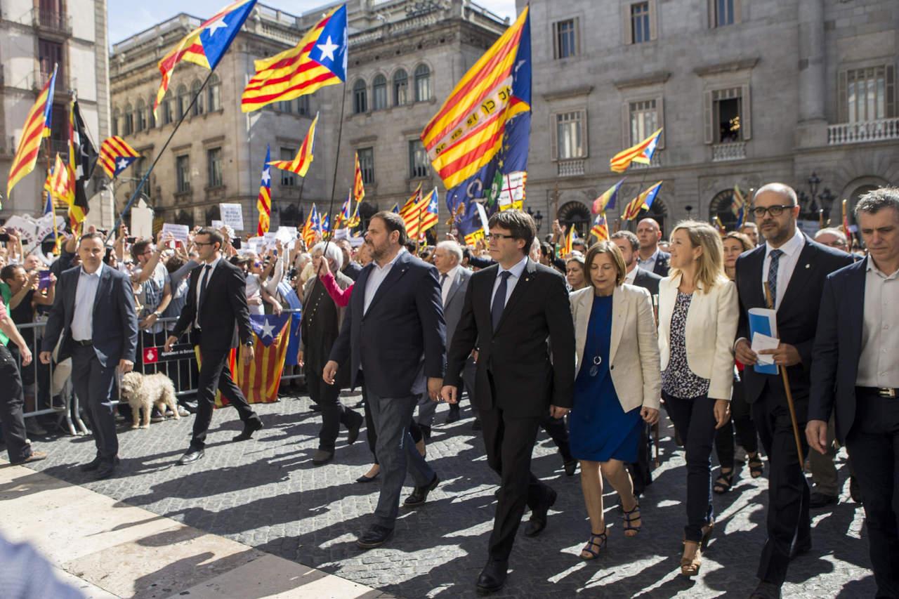 Alcaldes catalanes respaldan referéndum