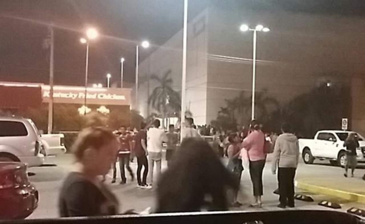 Asesinan a pareja de policías y a su hijo en Cancún