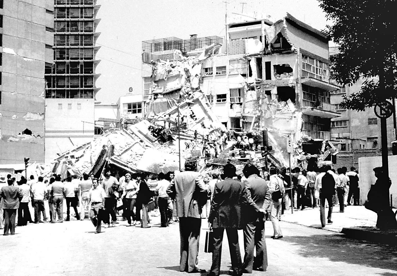 1985: Un fuerte terremoto viste de luto a México