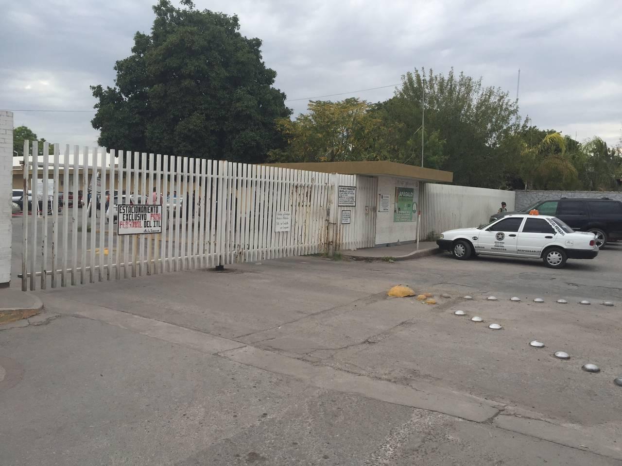 Fallece profesor en un estacionamiento del ITL