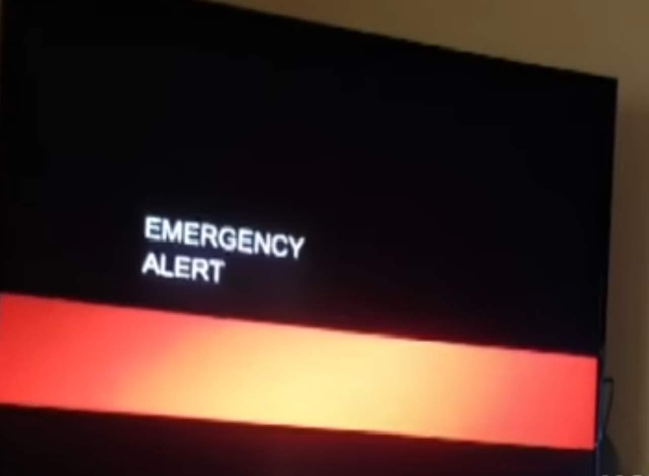 Anuncio sobre la llegada del fin del mundo interrumpe emisión televisiva