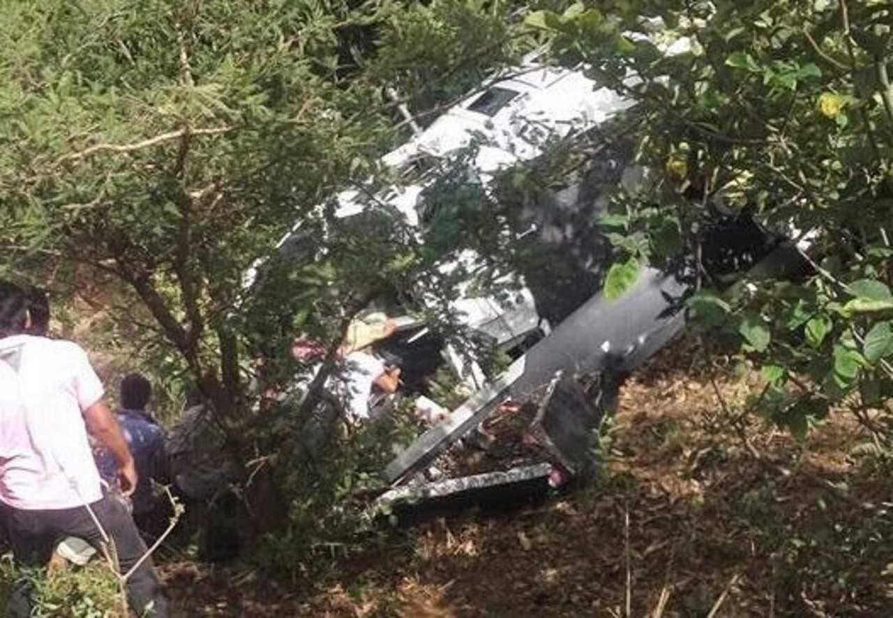Reportan un muerto tras caída de helicóptero con víveres para damnificados por sismo