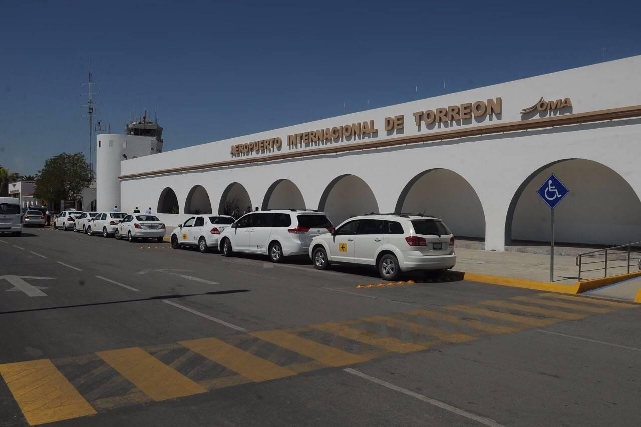 Detienen a colombiano en aeropuerto de Torreón con pieza arqueológica