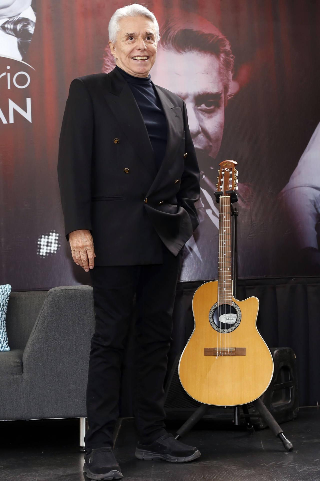 Guzmán festeja 60 años de trayectoria