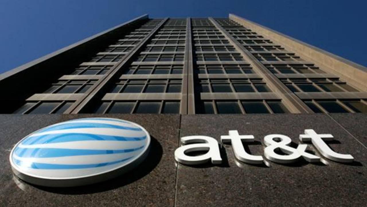 AT&T y Telcel se enfrentan en batalla