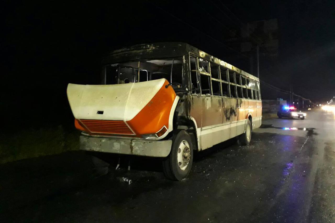 Se quema camión de ruta a Madero