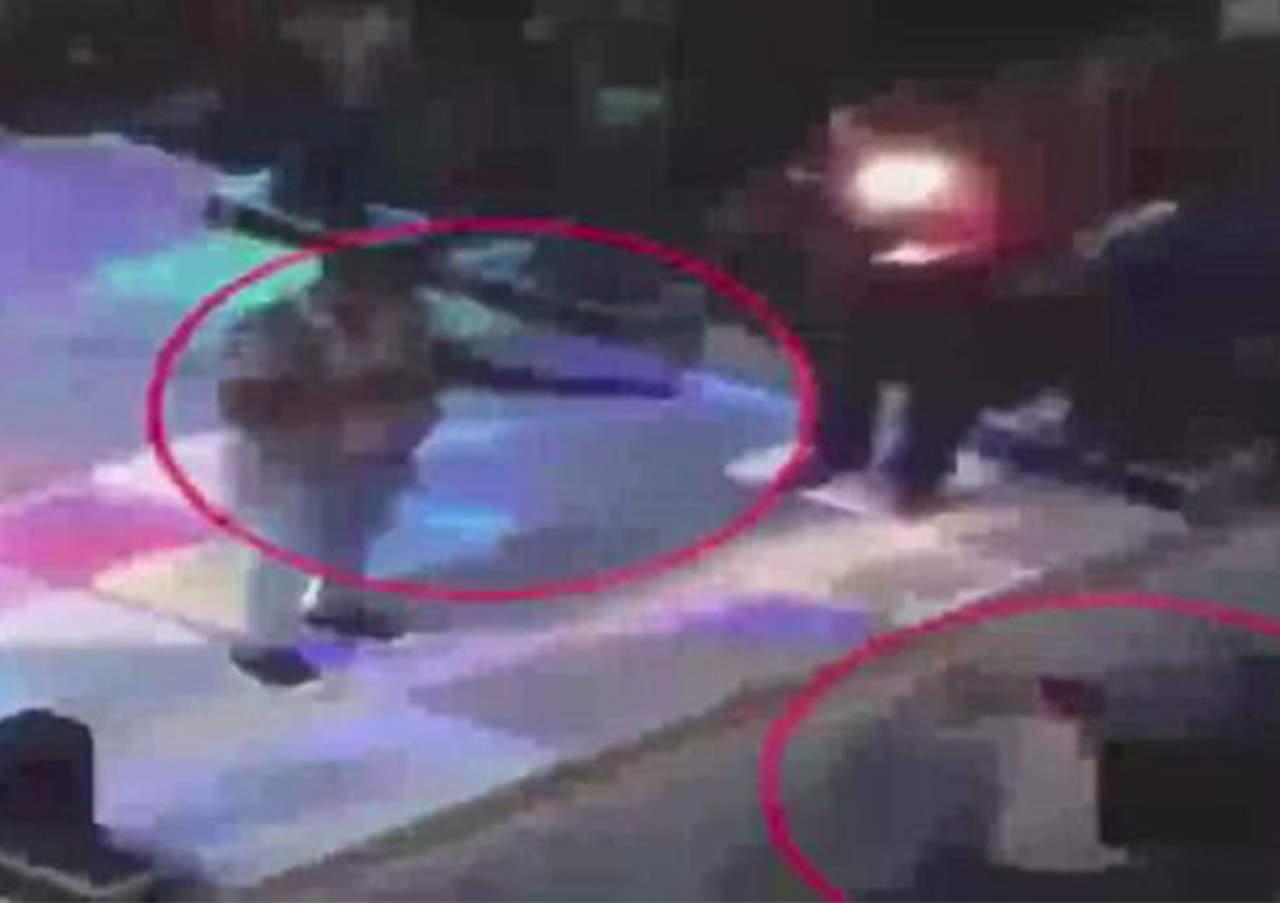 Dispara arma durante boda en Egipto y mata a un menor
