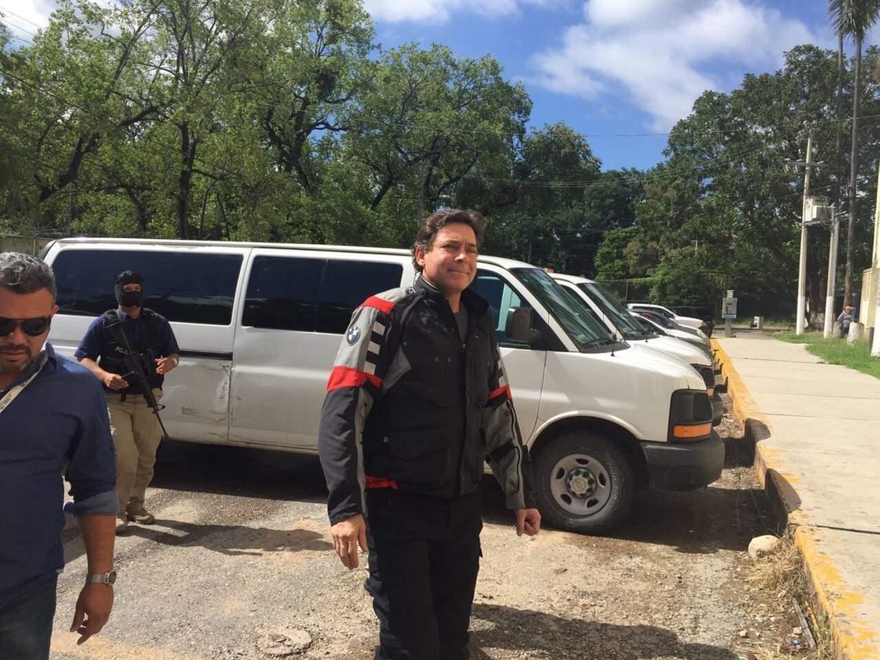Agentes catean rancho del cual es accionista Eugenio Hernández
