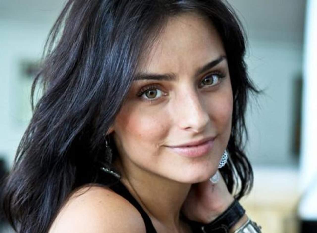 Acusan a Aislinn Derbez de haberse sometido a cirugía plástica