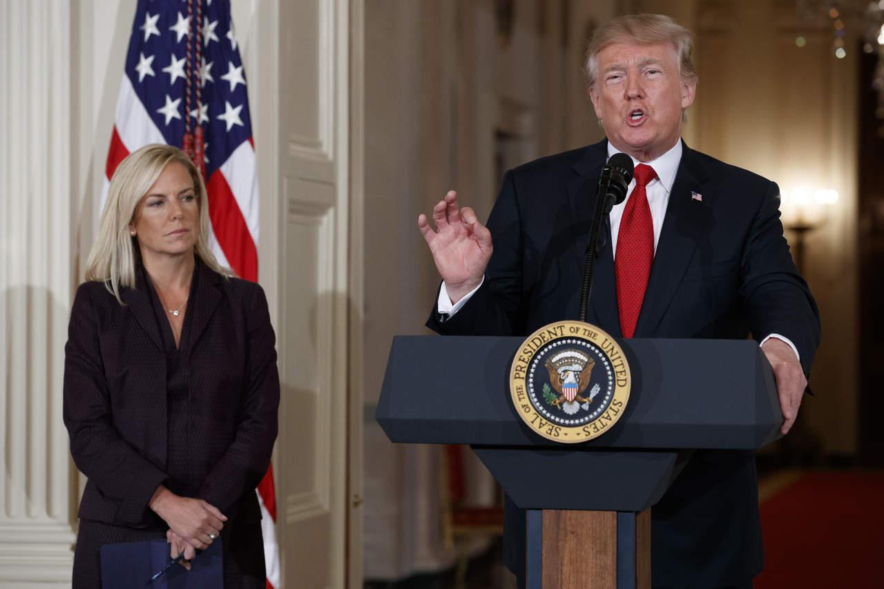 Nomina Trump a aliada de John Kelly para supervisar inmigración y muro