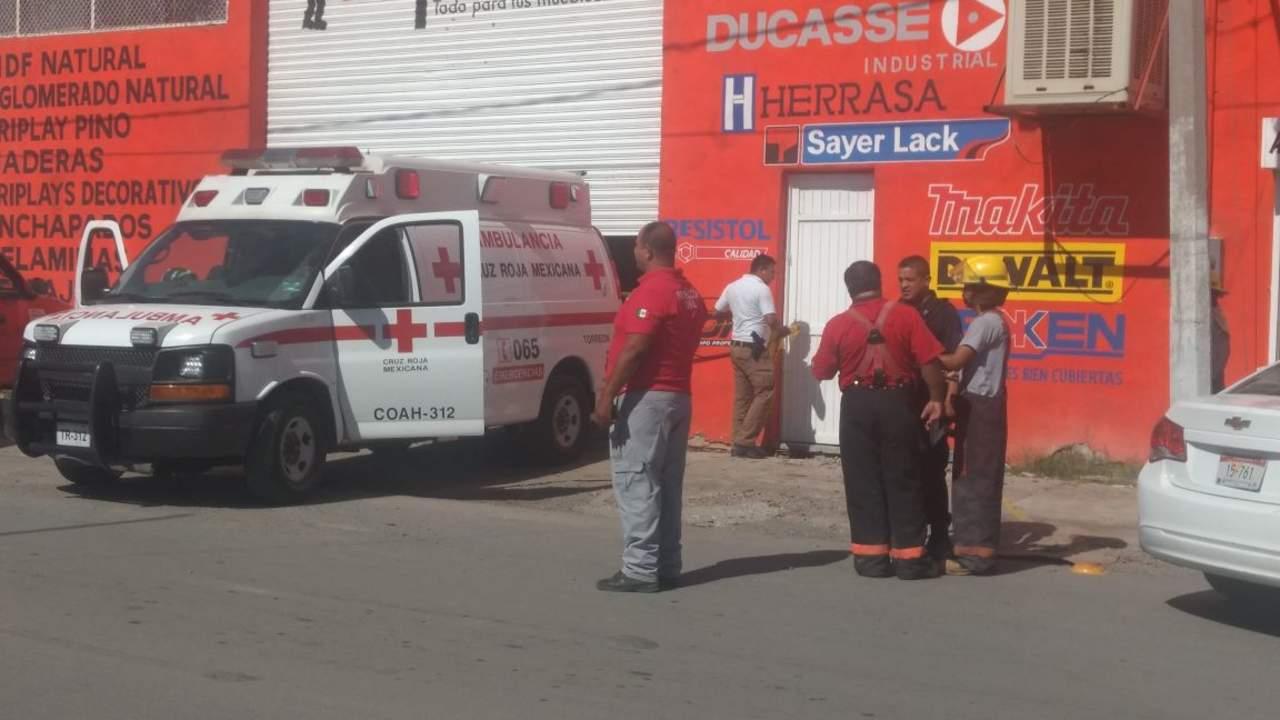 Muere hombre tras recibir descarga eléctrica y caer mientras trabajaba