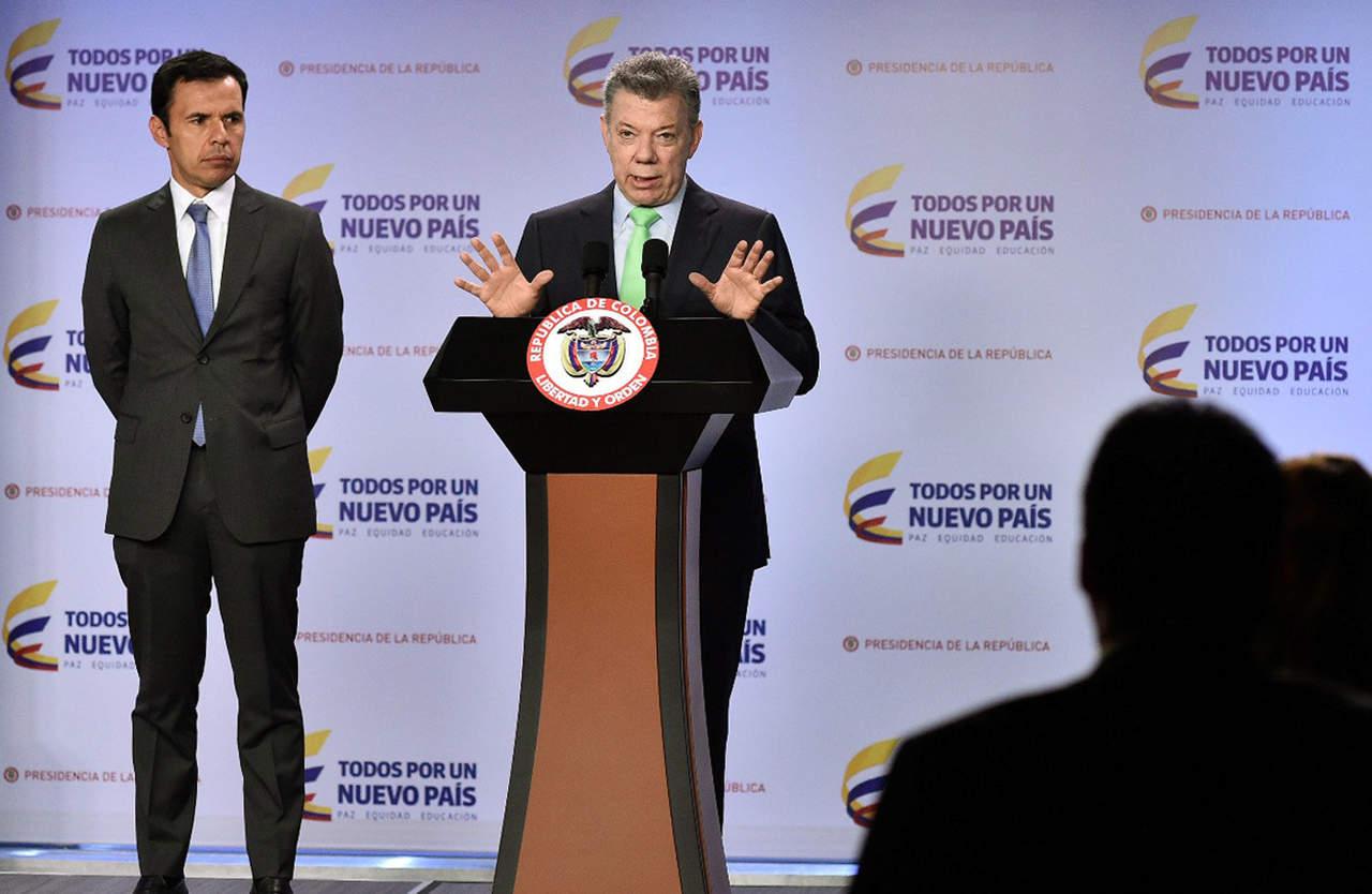 Invita Santos a venezolanos a votar; señala a Maduro de no jugar limpio