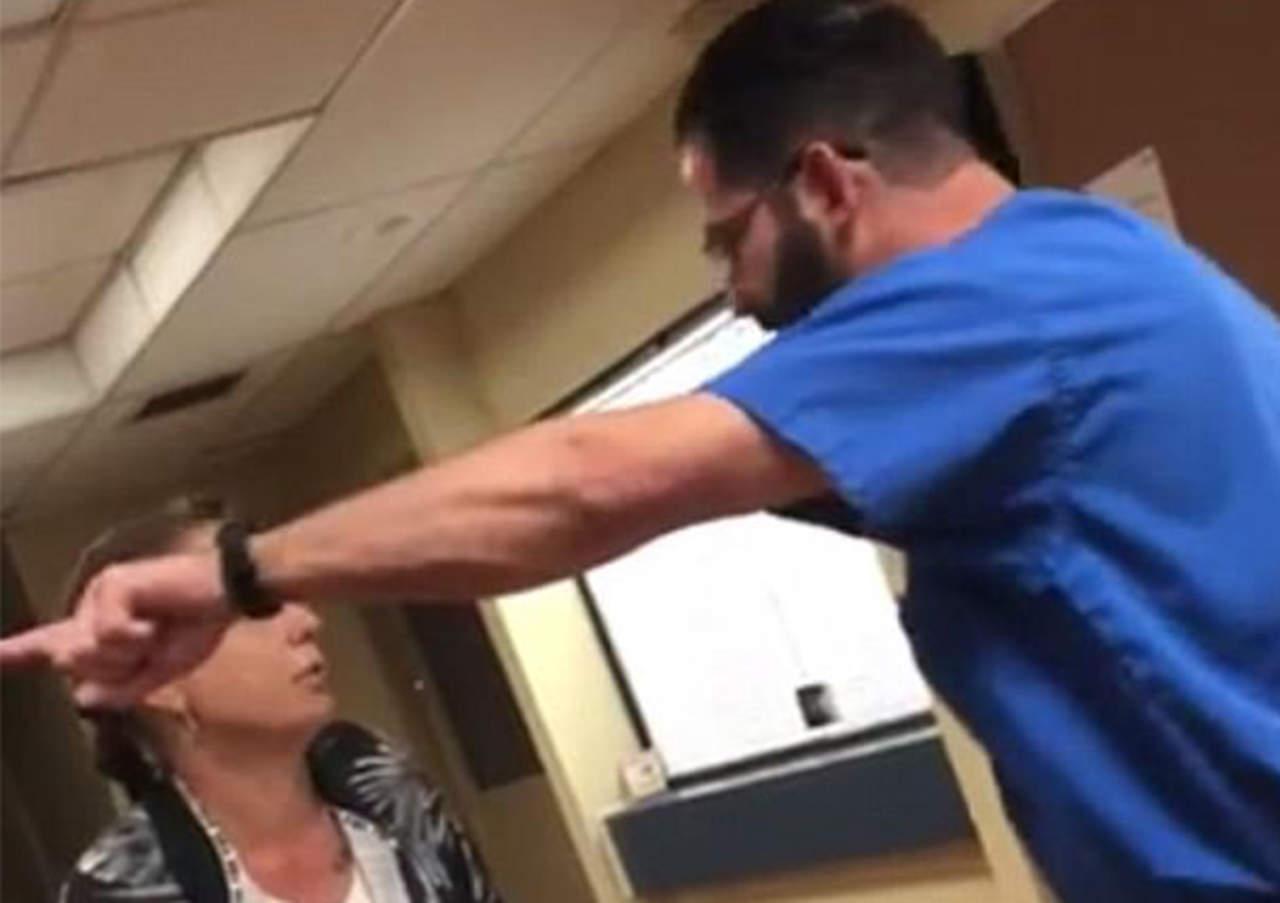 Doctor corre violentamente a paciente de su consultorio