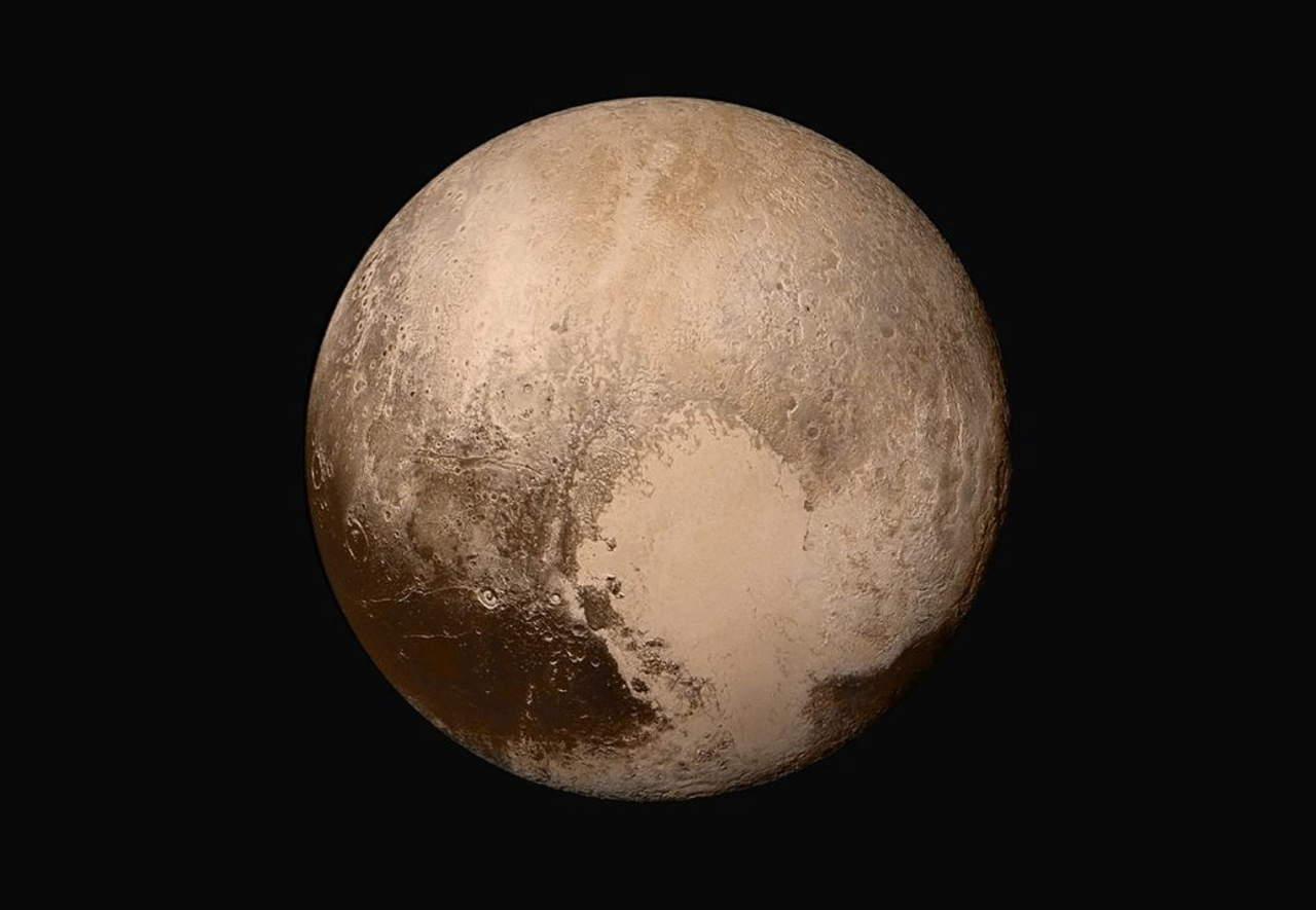 Plutón, el planeta enano con picos de hielo