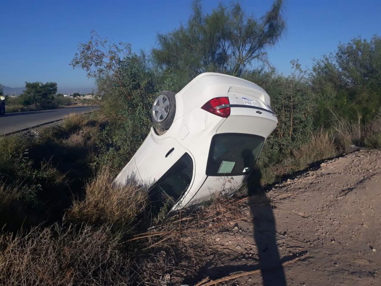 Volcadura en carretera Santa Fe deja un lesionado