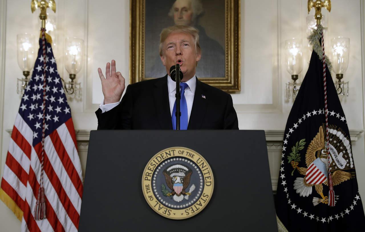 Advierte Trump que cancelará el pacto nuclear con Irán si no logra cambiarlo