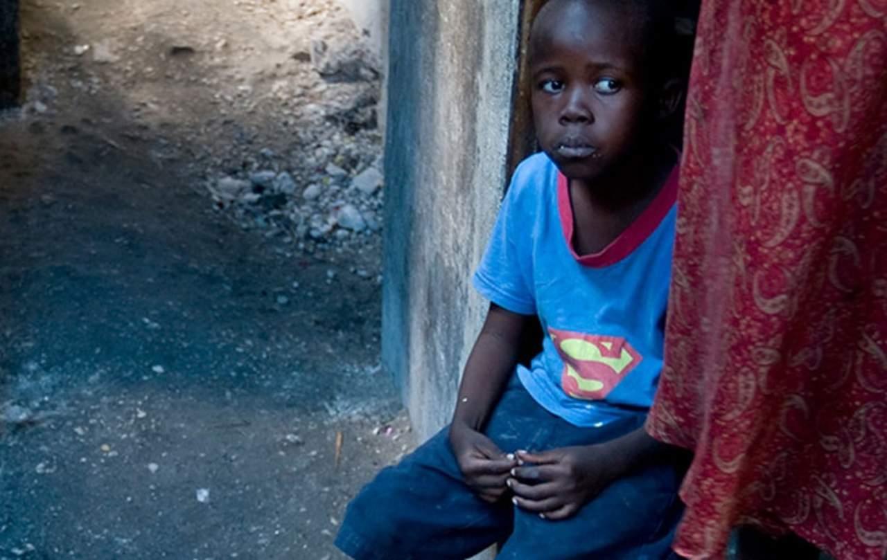 1993: El Día Internacional para la Erradicación de la Pobreza se observa por primera vez