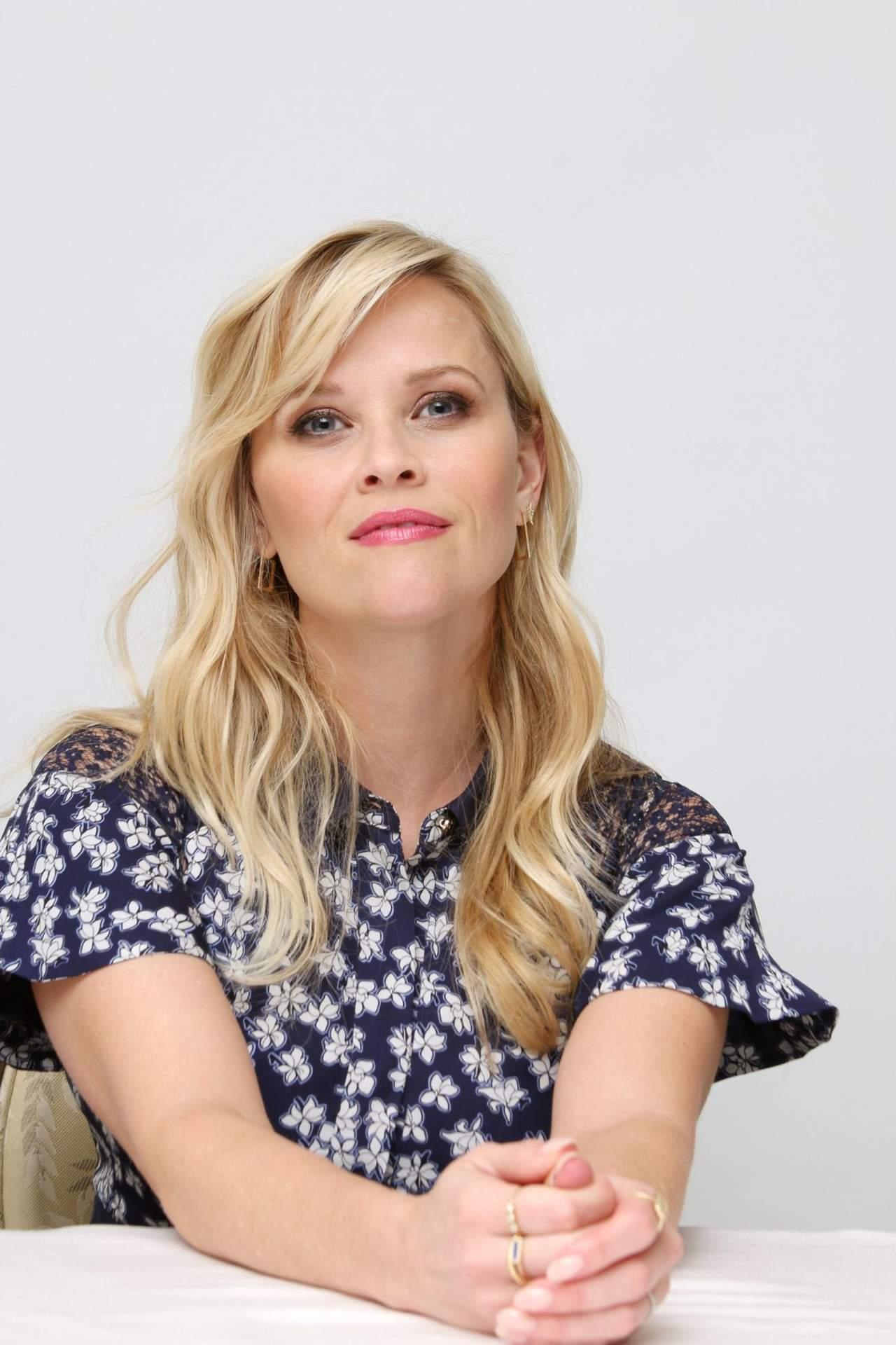 Reese Witherspoon revela que también sufrió acoso sexual