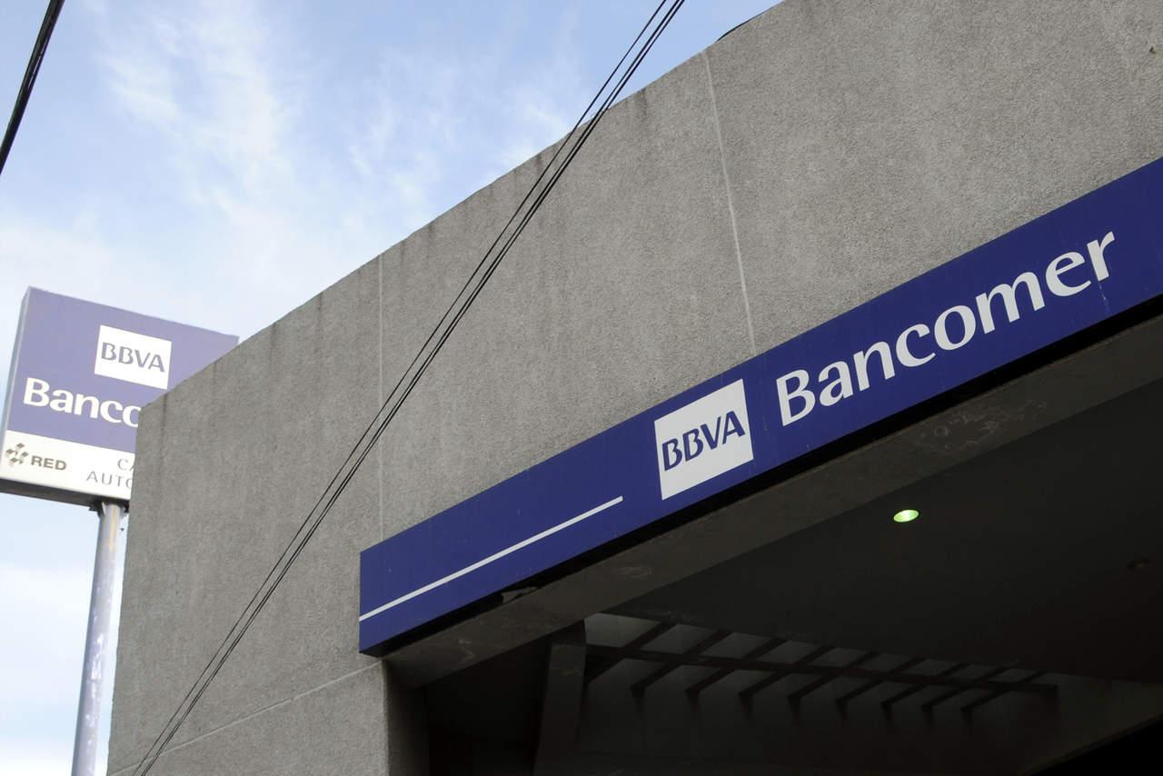 Cobró cheque y ladrones le quitan el dinero; se llevan 300 mil pesos