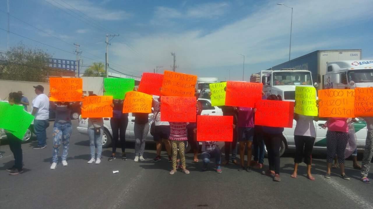 Se manifiestan en Periférico contra presuntos abusos policiacos