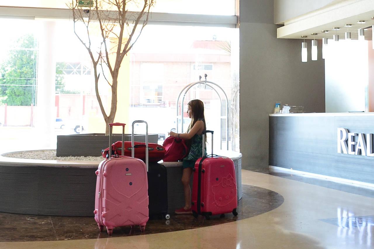 Negocian instalación de hoteles en Gómez