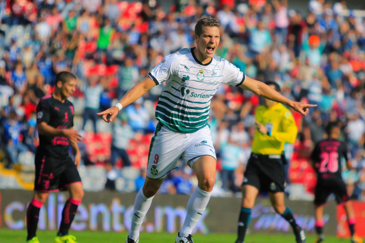 Santos vence 2-1 a Querétaro con doblete de Furch