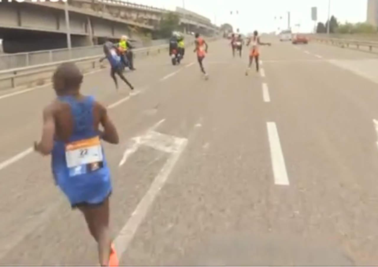 Eran líderes del maratón hasta que vieron que se equivocaron de ruta