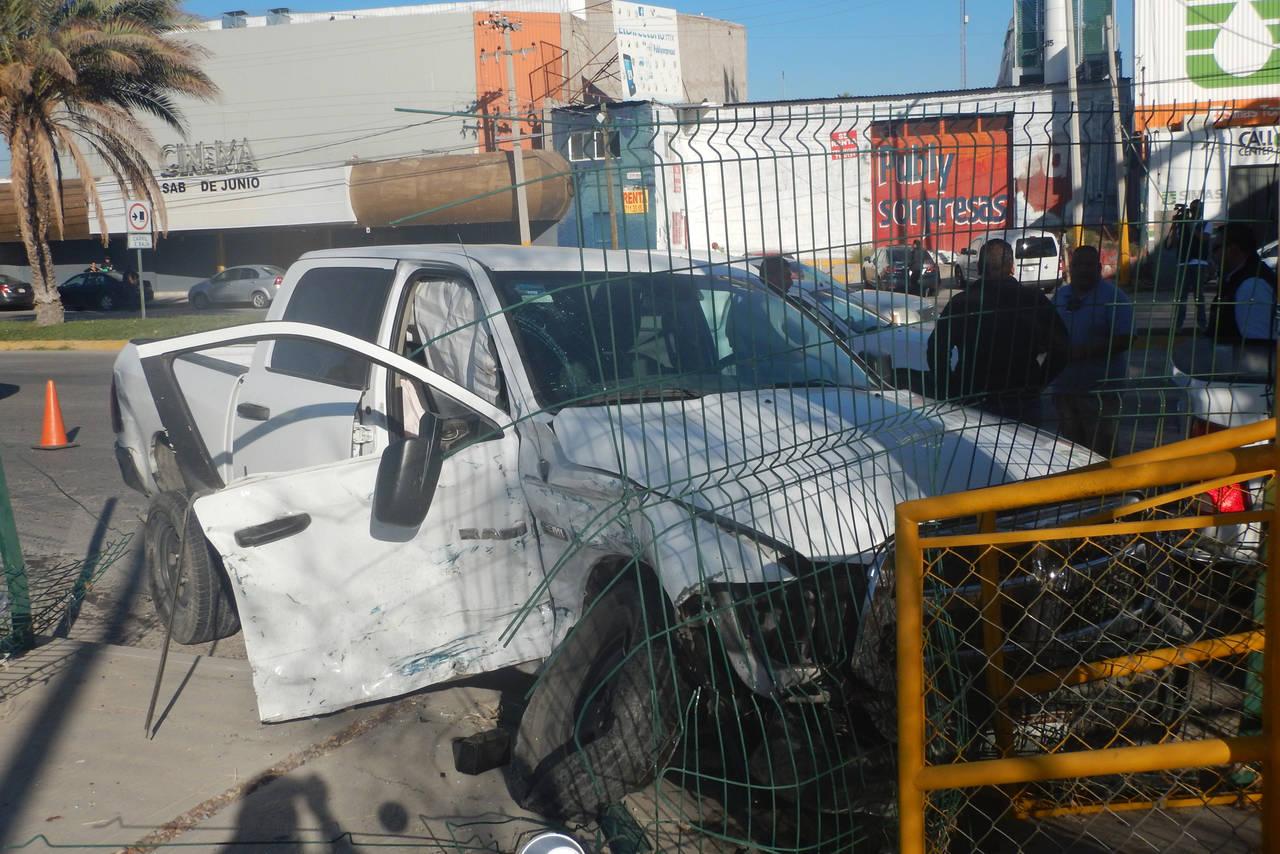 Escoltas de alcalde provocan accidente