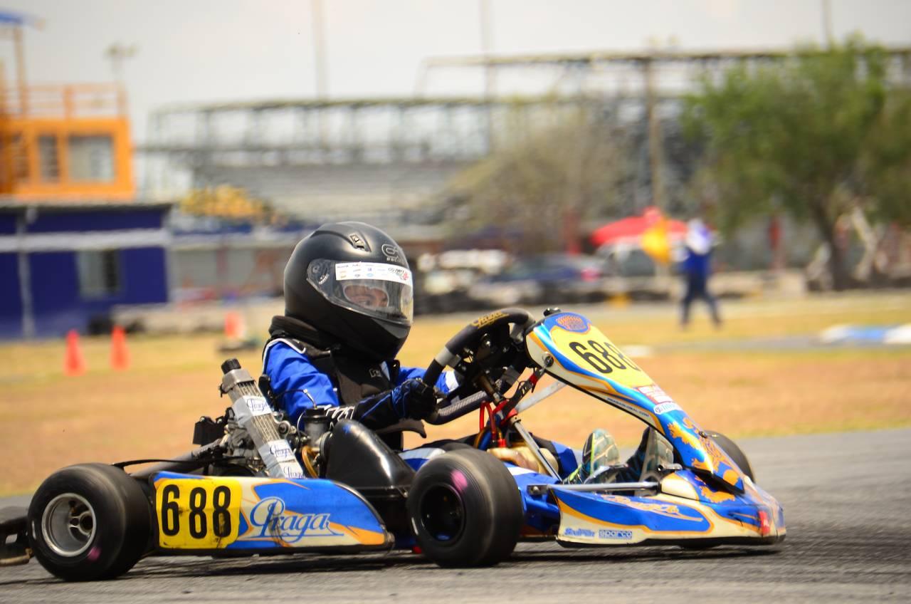 Lagunero es campeón en Go Karts en Monterrey