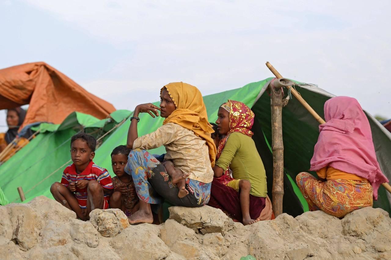 Eluden represión en Myanmar