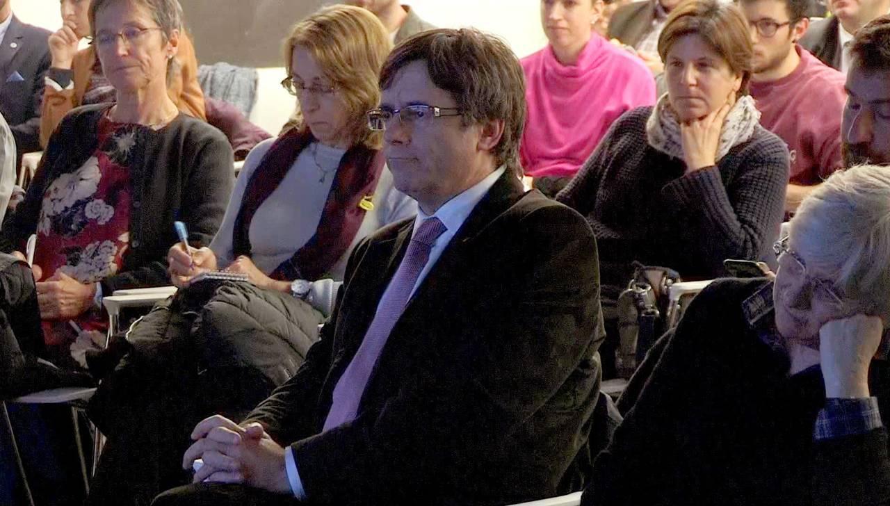 Crisis puede resolverse sin independencia: Puigdemont