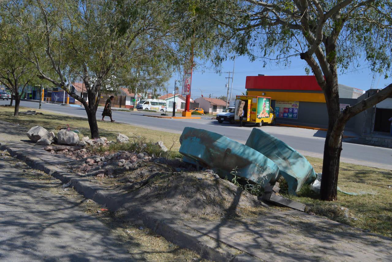 Camellón, un riesgo en Rincón La Merced