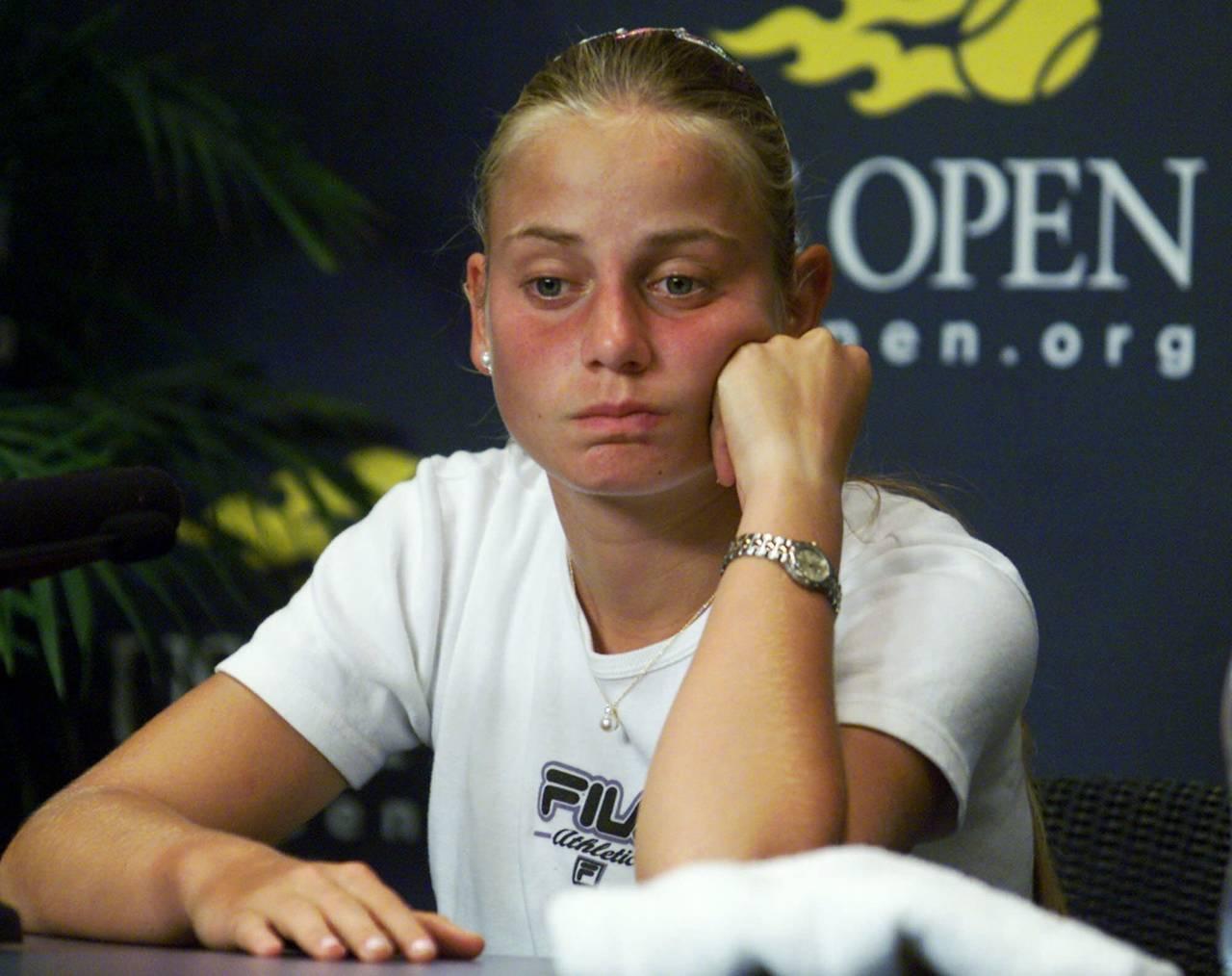 Extenista Jelena Dokic revela abuso de su padre