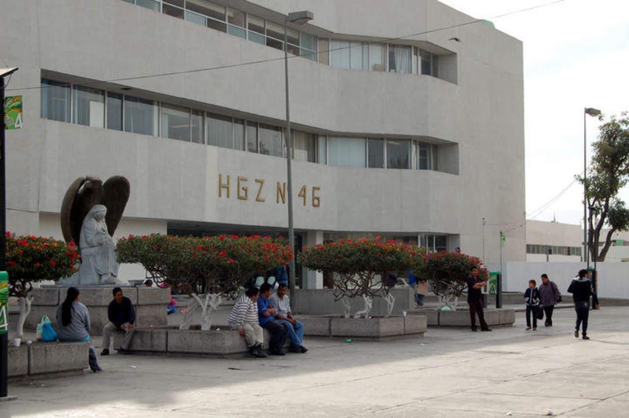 Auto atropella a mujer al cruzar la calle en Gómez Palacio