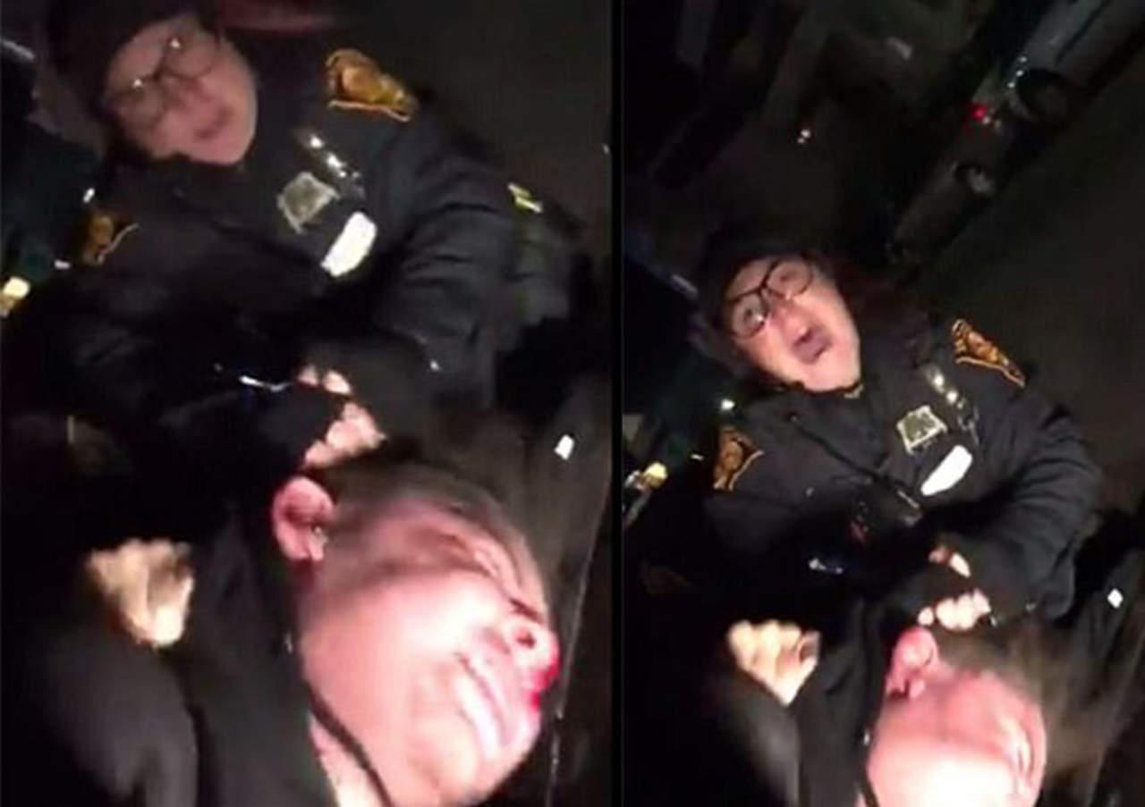 Mujer policía golpea agresivamente a joven de 18 años