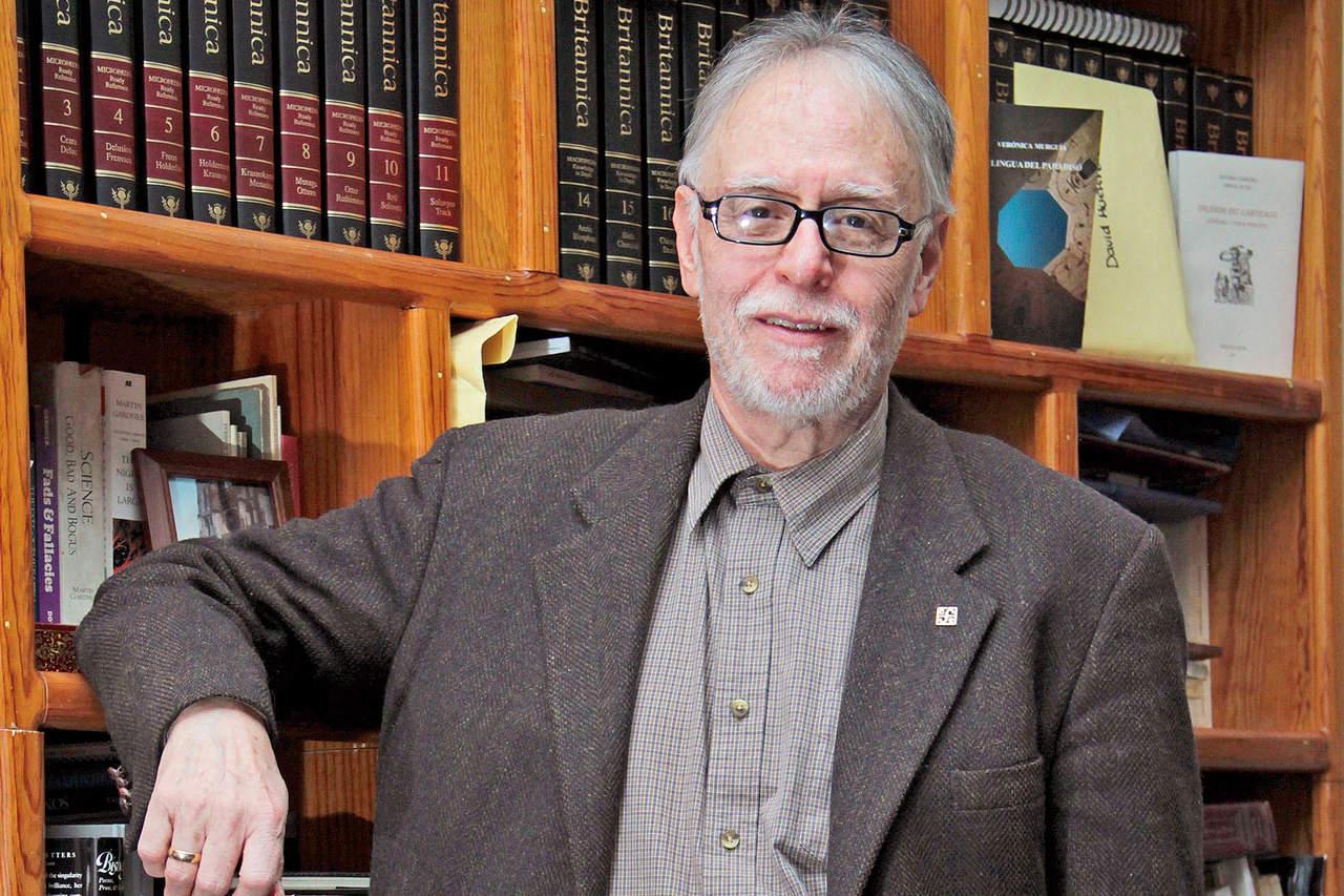 El poeta David Huerta gana el Premio