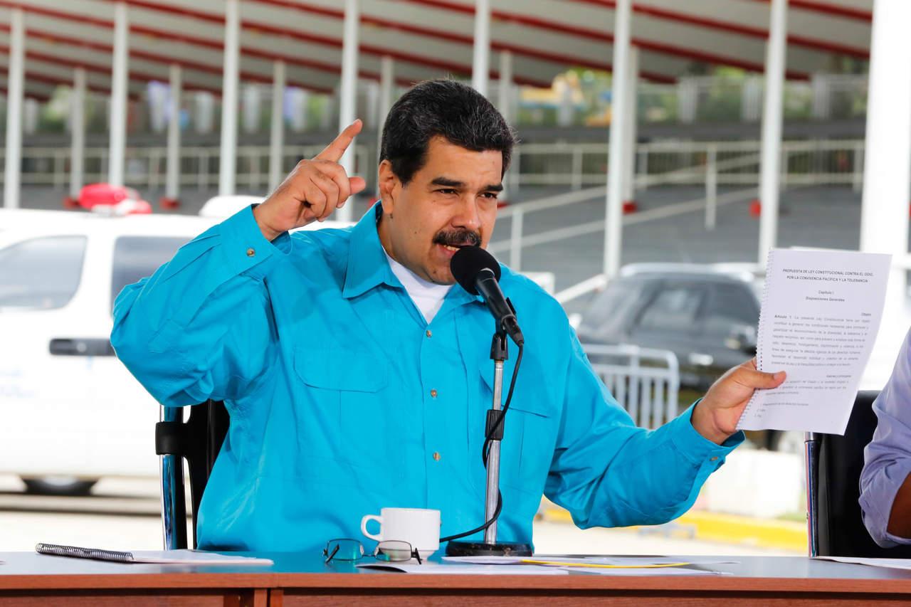 La revolución bolivariana será la pesadilla de Santos 100 años: Maduro