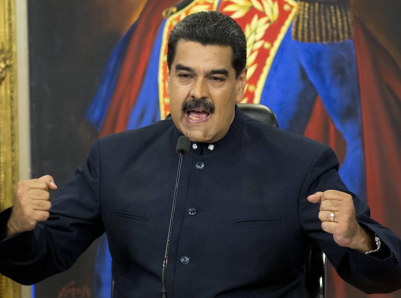 Nicolás Maduro llama hipócrita a Santos