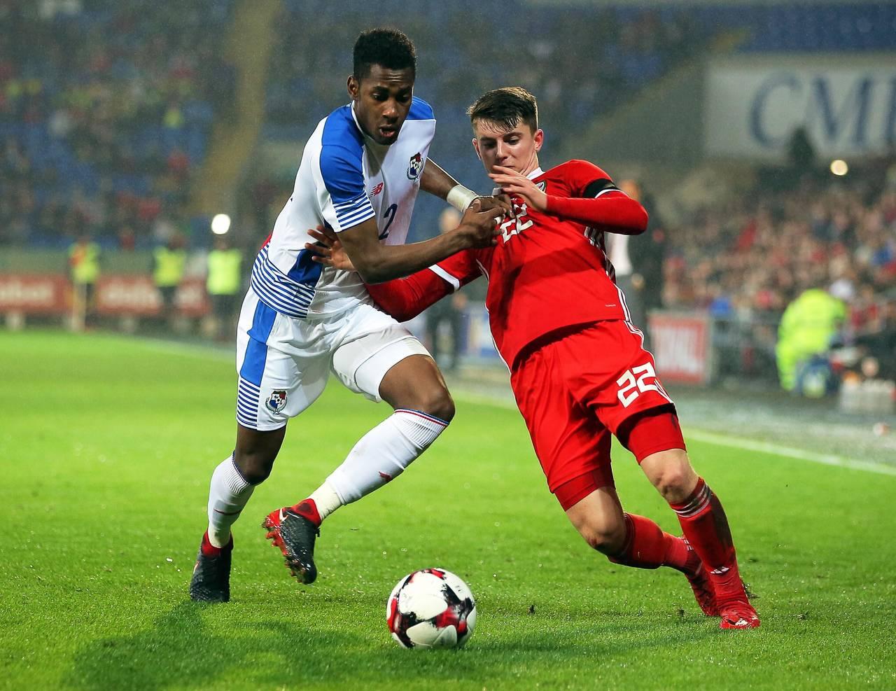 Panamá le amarga la noche a Gales al final