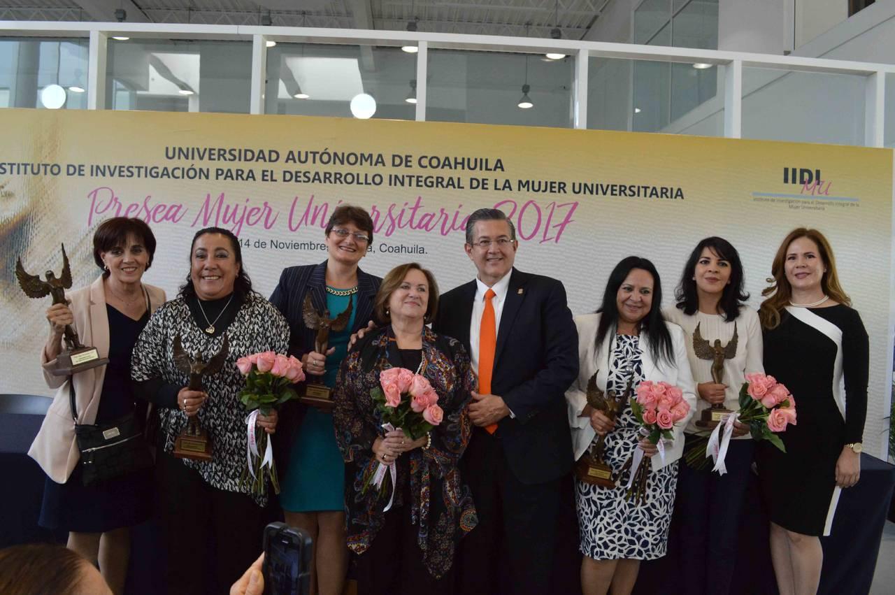 Reconoce la UA de C a Mujeres Universitarias