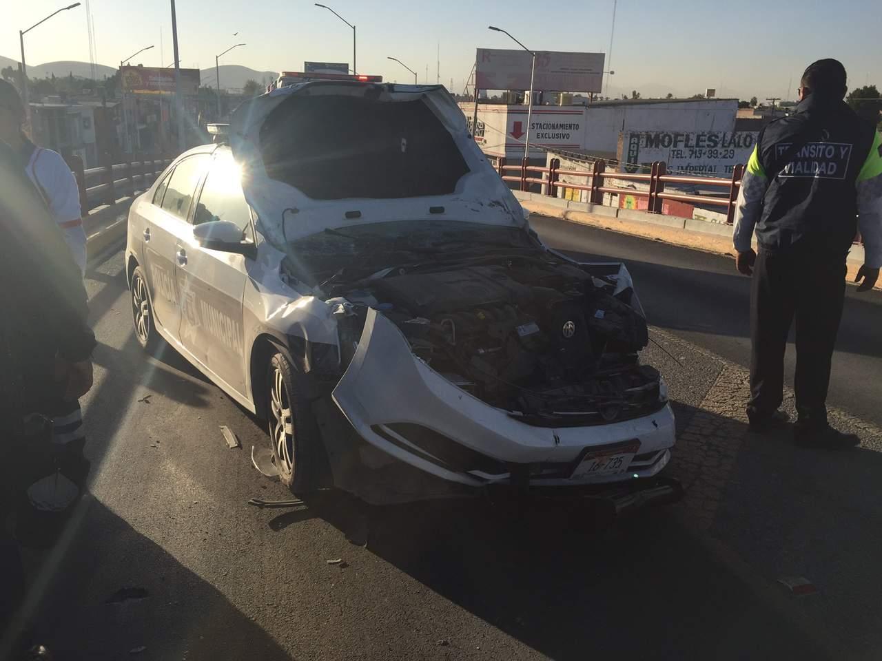 Choca patrulla de la DSPM de Torreón; termina destrozada