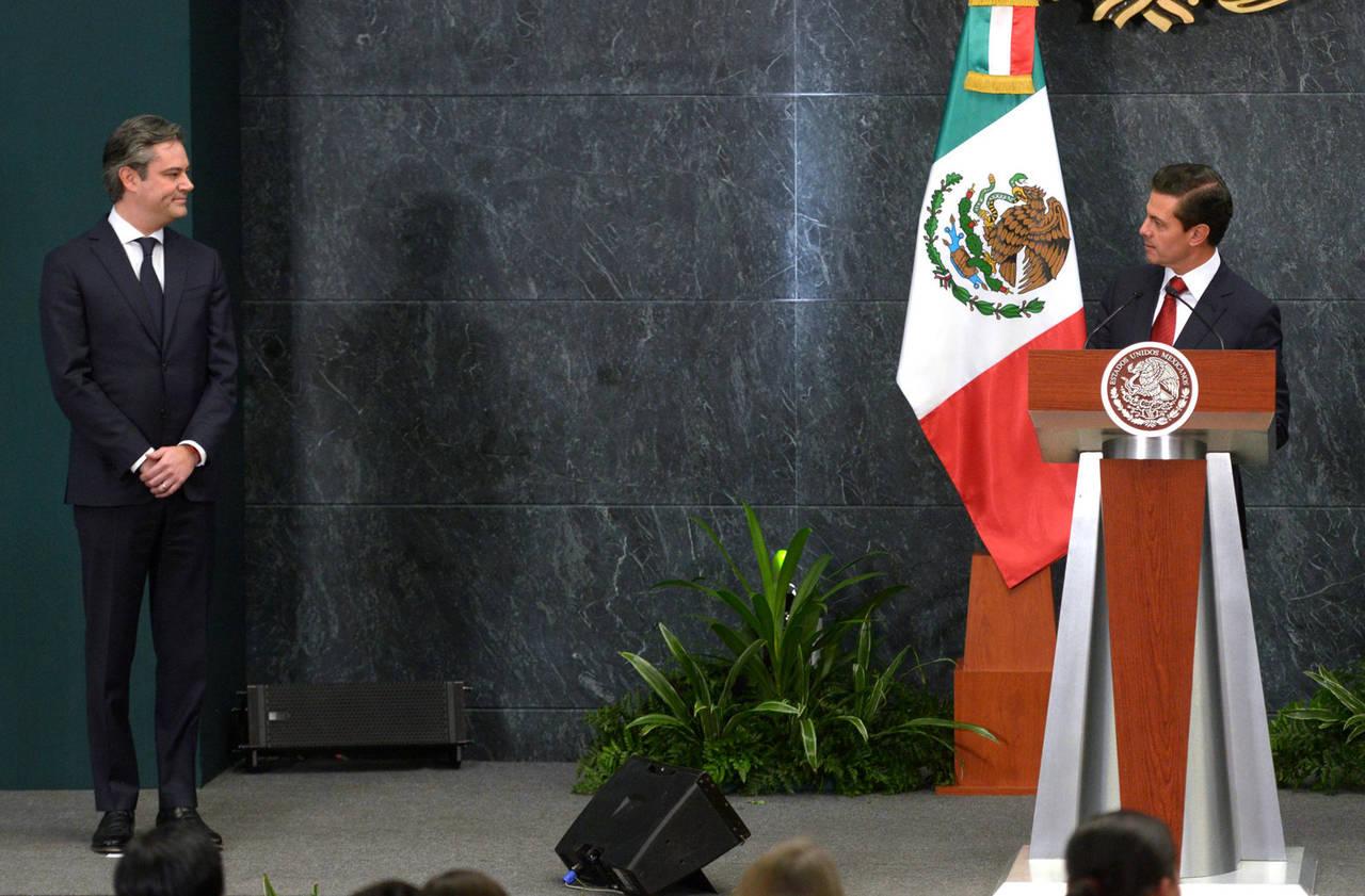 Deja Aurelio Nuño la SEP; va a campaña de Meade