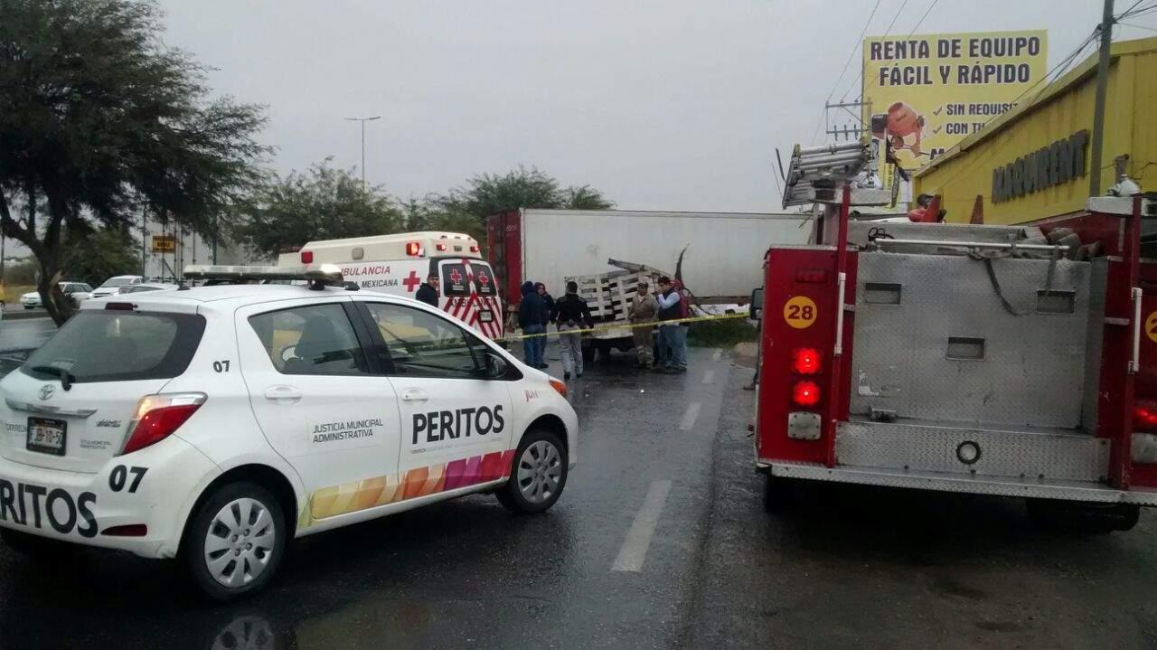 Lluvia deja más de 15 accidentes viales en Torreón