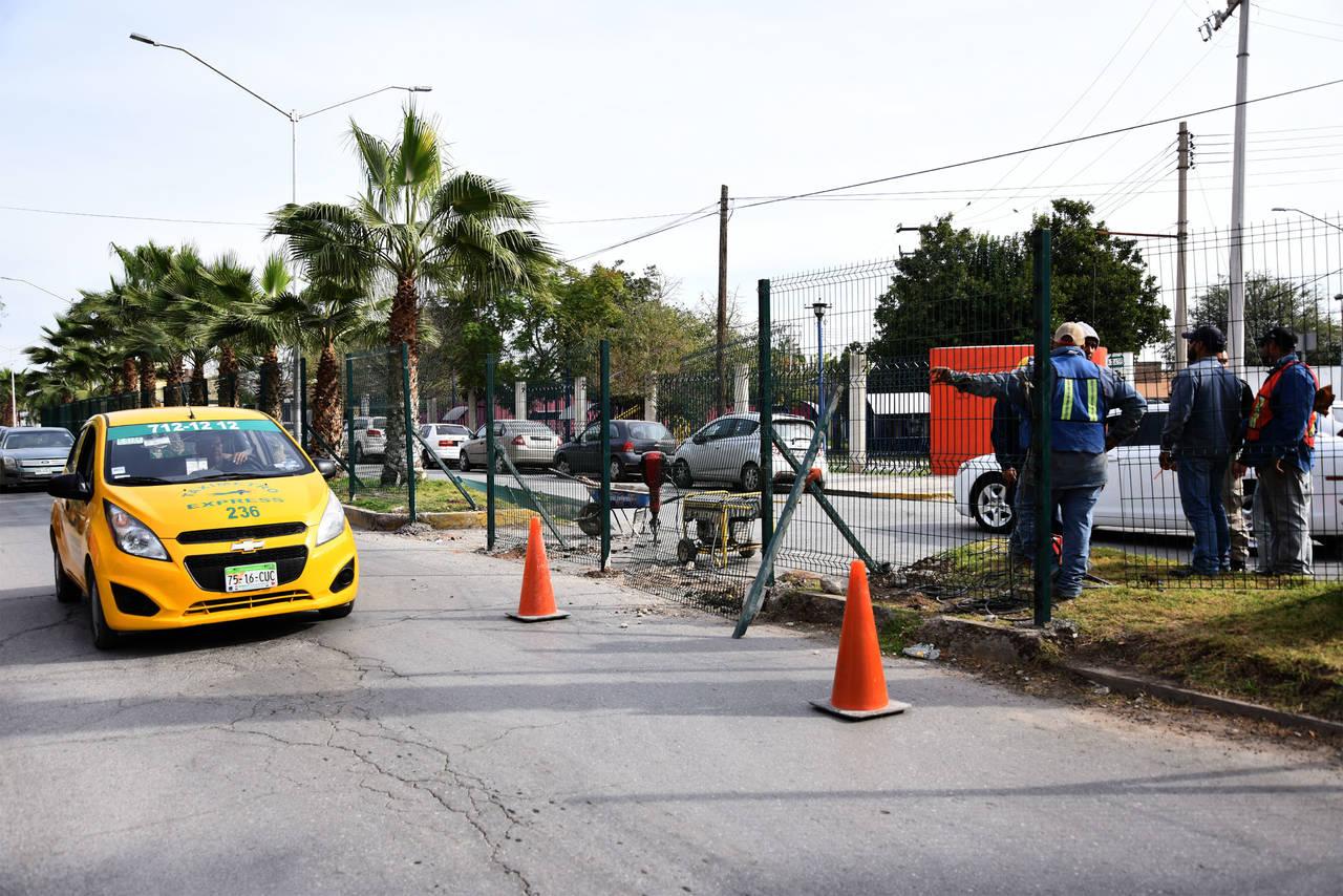 Paran obra por carecer de permisos oficiales