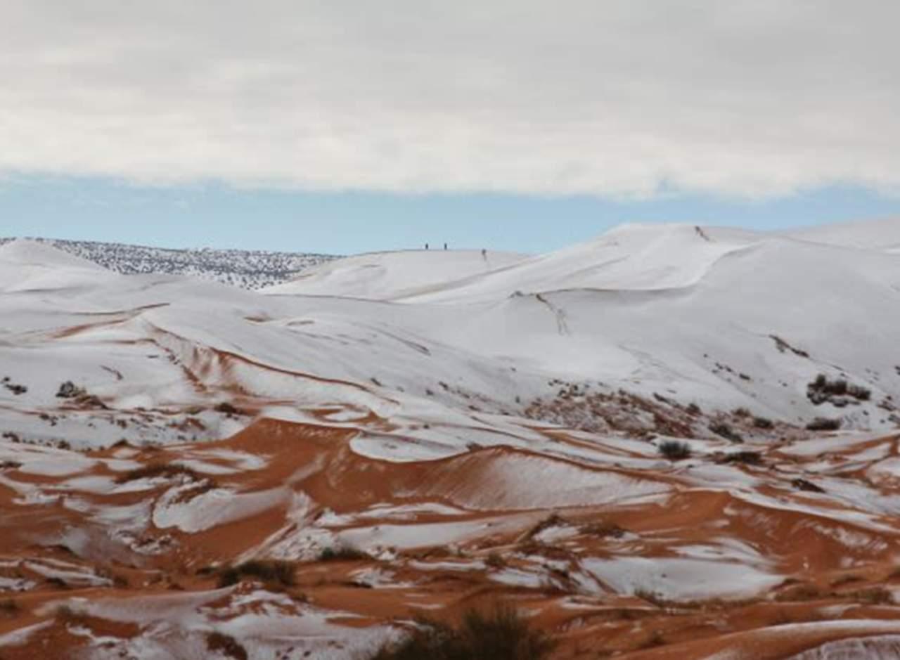 Increíbles imágenes del Sahara cubierto de nieve